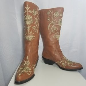 Colin Stuart Embroidered Cowboy Boots